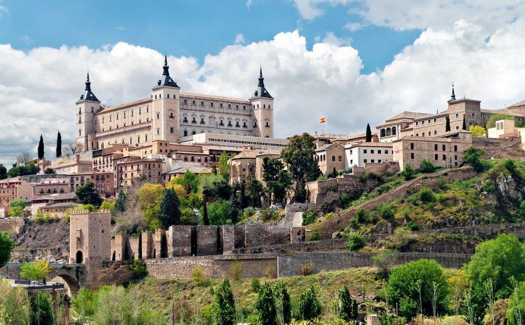 5 destinos de España con historias de leyendas de amor