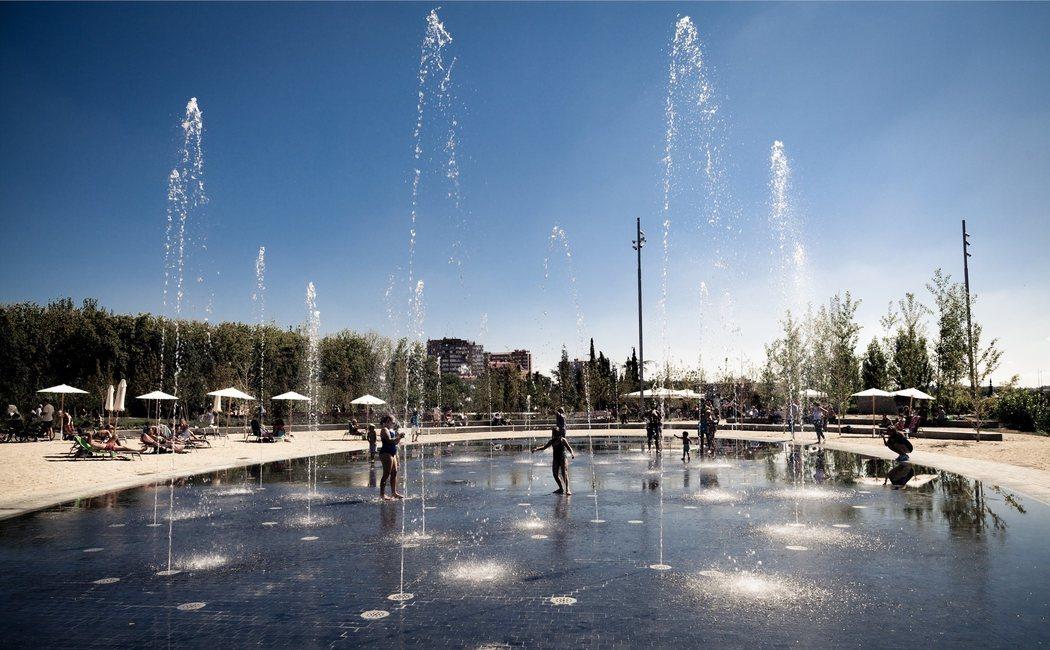 Un paseo por Madrid Río, el parque fluvial que reconcilió Madrid con el Manzanares