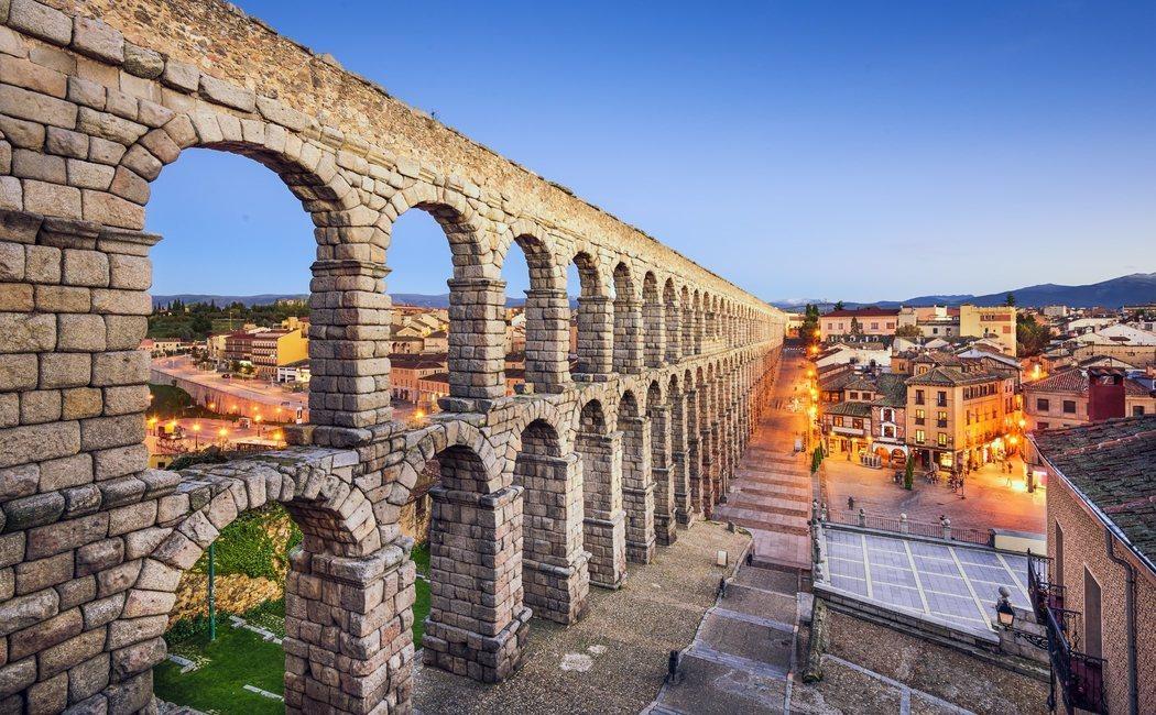La ruta de Isabel en Castilla: De Ávila a Valladolid y Segovia