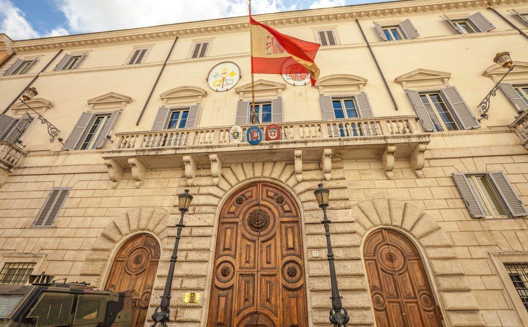 Direcciones y teléfonos de Embajadas y Consulados de España en Europa