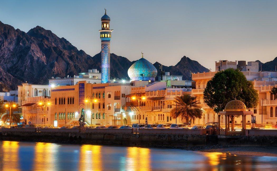 Qué ver en Omán: una ruta básica entre oasis, fortalezas centenarias y playas paradisíacas