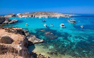 Descubre cuáles son las mejores playas y piscinas naturales de Malta