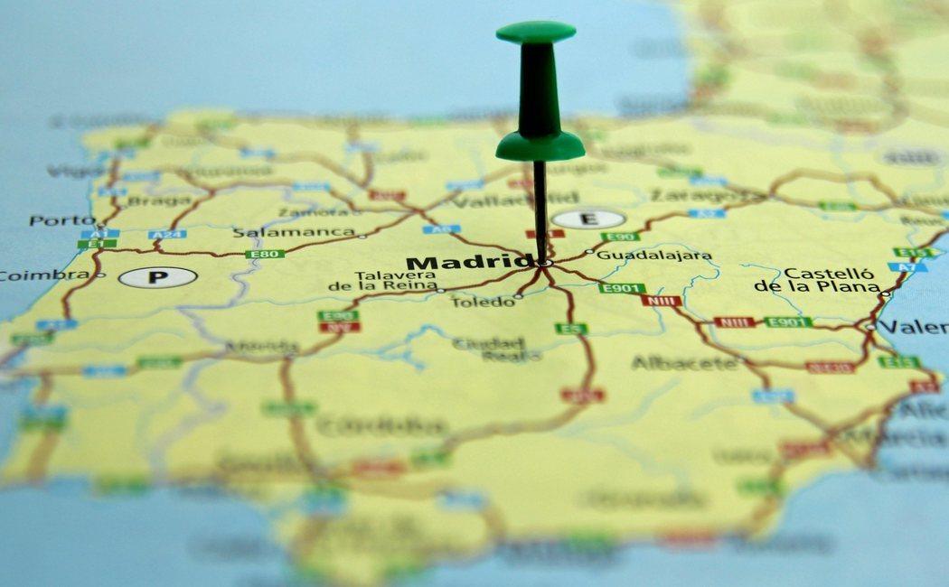 Viajes express por España en verano: escapadas desde Galicia, Barcelona, Huelva, Murcia y Madrid