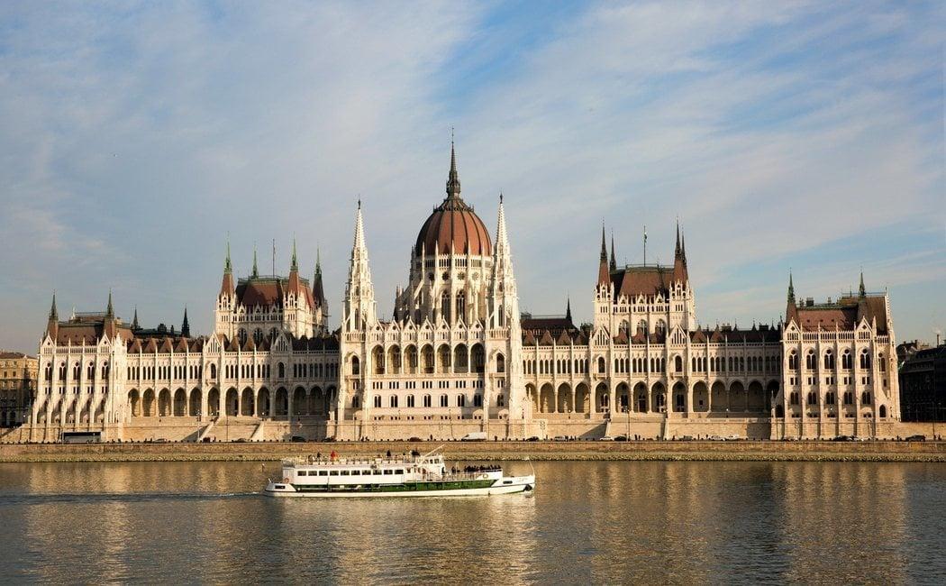 Todo lo que tienes que saber del Parlamento de Budapest: qué ver y cómo planear tu visita