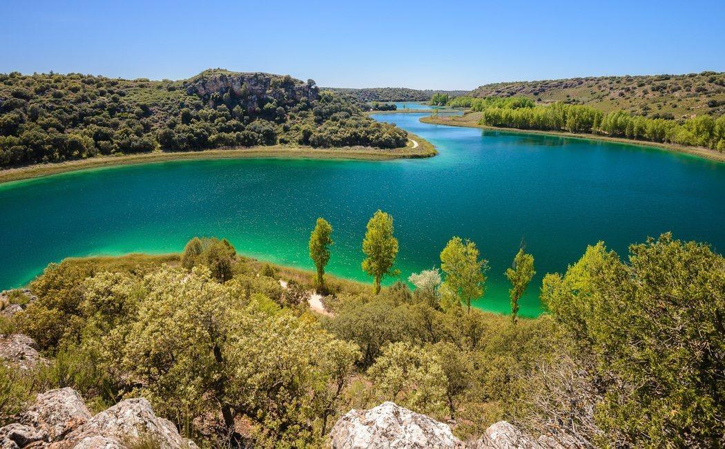 Lagunas de Ruidera: Un humedal único en la Península Ibérica