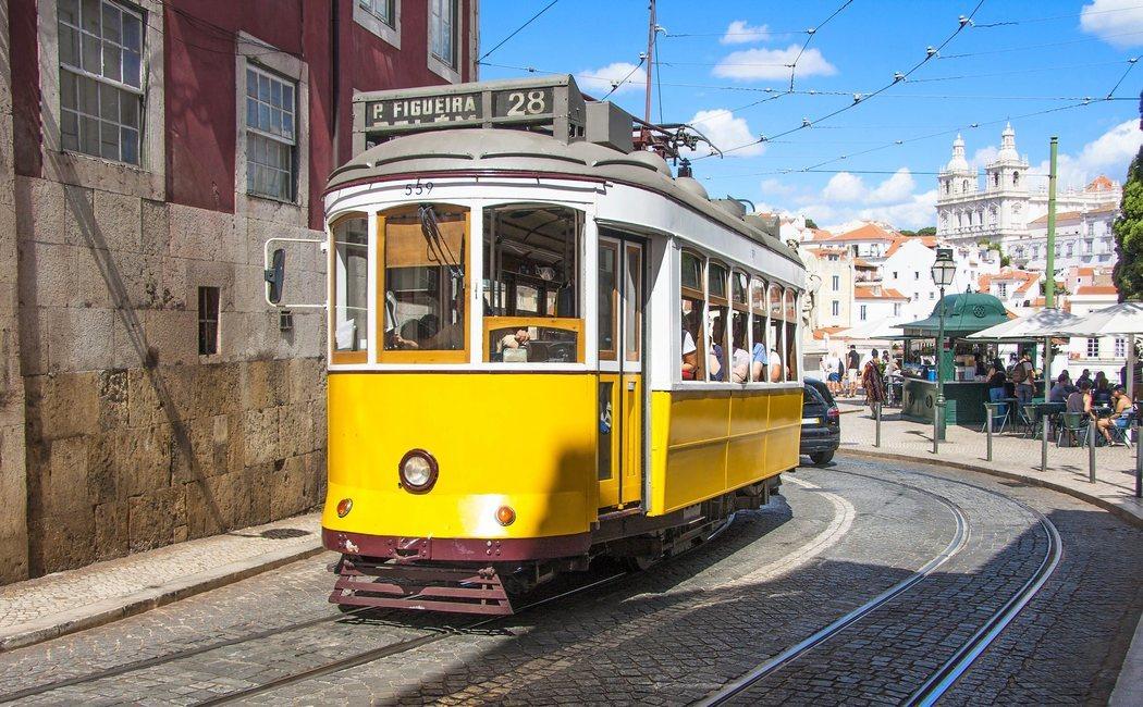 El Tranvía 28 de Lisboa, la mejor forma de descubrir el centro de la capital de Portugal