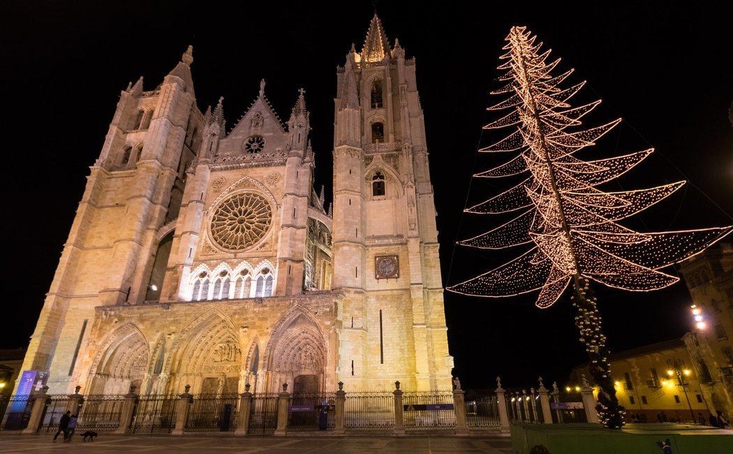 Qué hacer en León en Navidad: luces, tapas, mercadillo y el Festival Vive la Magia