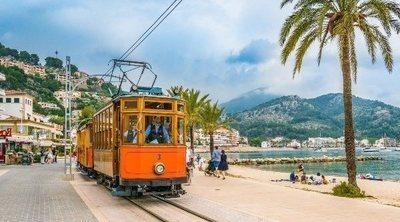 4 trenes por España que te trasladarán a otra época