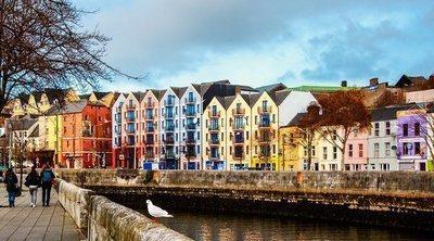 Descubre Cork, la ciudad irlandesa en medio del río Lee