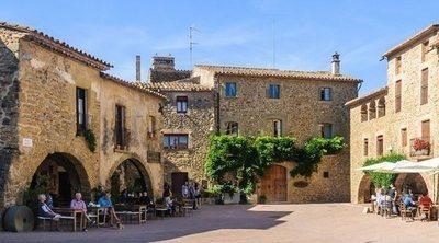 Qué ver en Monells: descubre el pueblo de Girona más cinematográfico