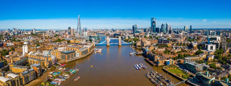 Vista aérea de Londres desde el río Támesis