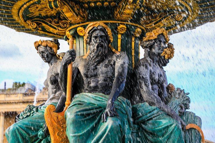 Esculturas de la fuente de la Plaza de la Concorde de París